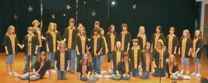 Mead Middle School Growl Choral