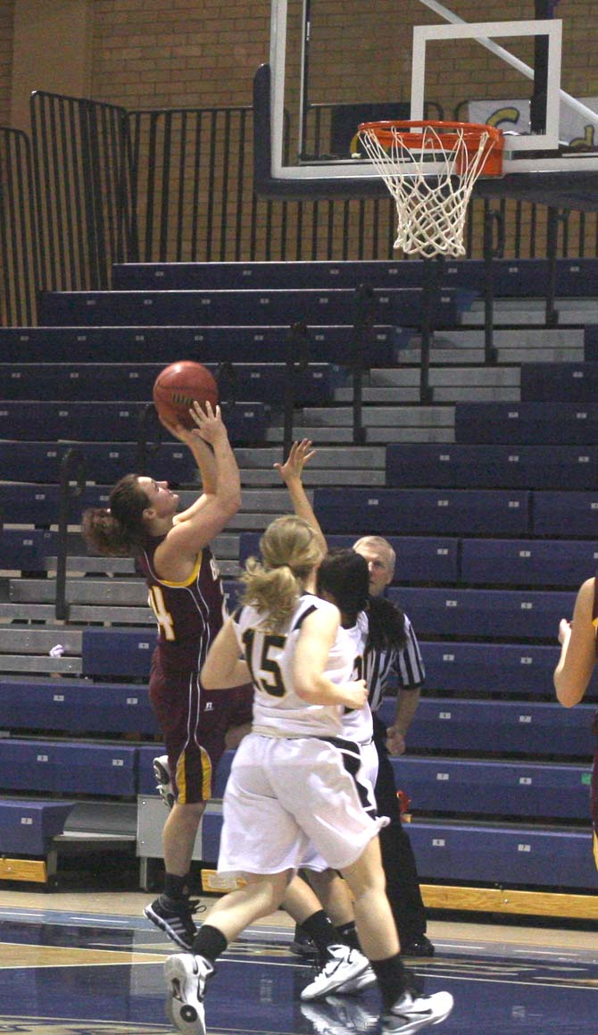 Danielle Wikre goes for a layup in the 2nd period
