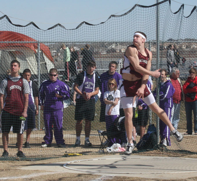 joel maly throwing the discus
