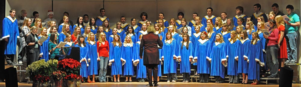 Hallelujah Chorus Panorama1 web Sounds of the Season Berthoud High School Choir