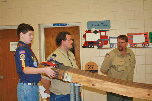 2772 Weblo 2 scout den leader and Tiger Cub leader Terry Bullett  Cub Scout Racers