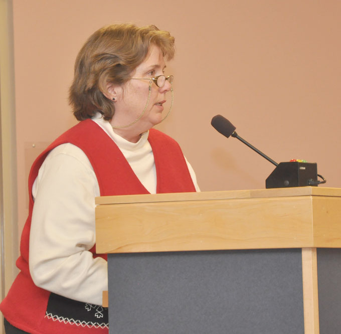 Pat Chamberlin Addresses the School Board