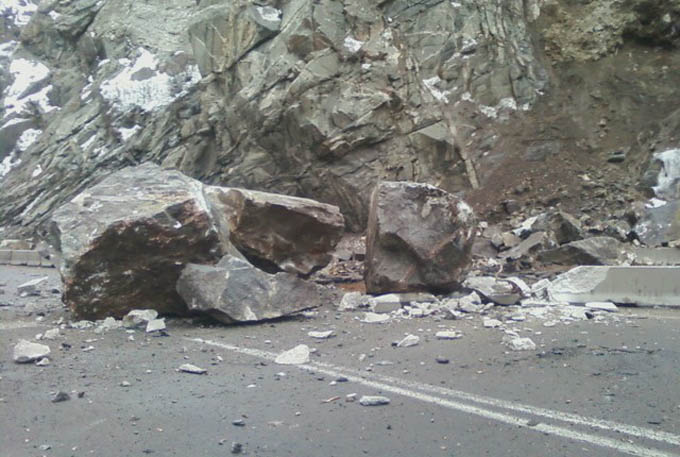 Glenwood Springs rock slide on I-70