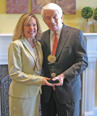 MarkeyDonohue USChamber Award Markey wins U.S. Chamber of Commerce Award for Pro business record