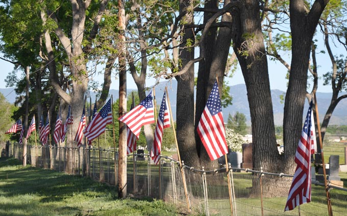 flags Flags and Flowers commemorate Memorial Day at Greenlawn