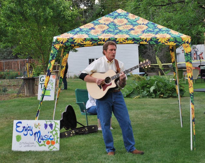 Music Berthoud Art in the Garden a smashing success