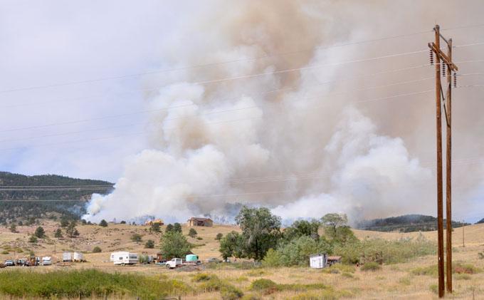 View from flatiron1 Major wild land fire at Flatiron Reservoir