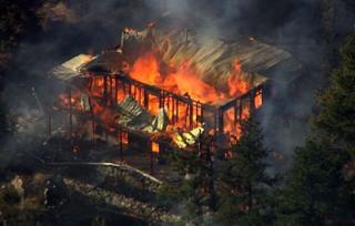genthumb Fourmile Canyon Fire threatens Boulder