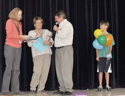 8821 happy400 Denise Schump chosen for Teacher Tuesday honor