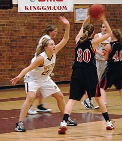 Lindsey Loberg 61 Berthoud Girls Basketball Tops Strasburg