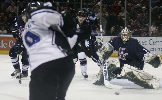 Ulanski shooting1 Eagles fall 6 3 to Allen Americans