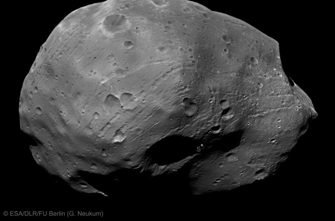 phobos2 marsexpress 3000 670x443 Astronomy Photo of the Day