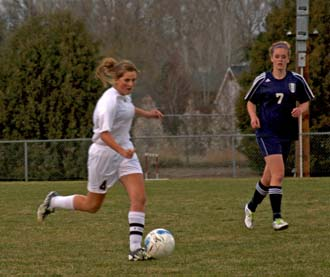 4 12 11.4 Berthoud Soccer scores victory in final seconds