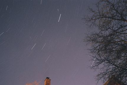apr21lyridmeteors Sky Tonight—April 21, Lyrid meteors fly in moonlight, Venus shines