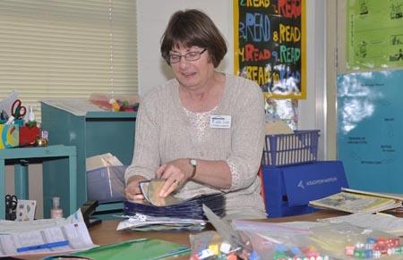 Linda Dyer 450 Three teachers retiring at Ivy