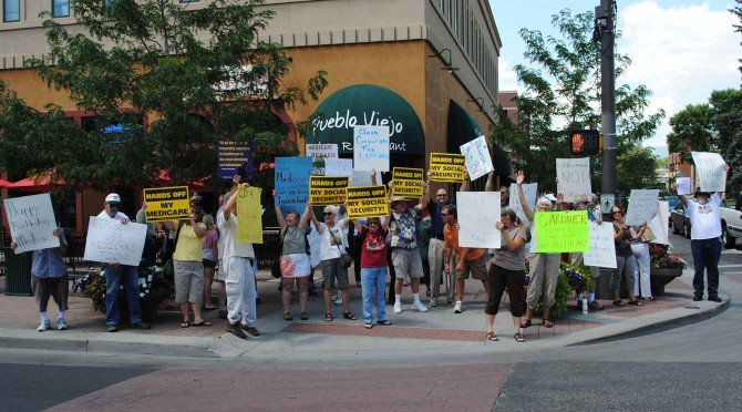Gardner protes 670x372 Citizens Protest Gardners stand