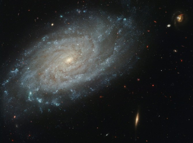 ngc3370 hst 6031 670x495 Astronomy Picture of the Day