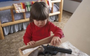toddler&gun